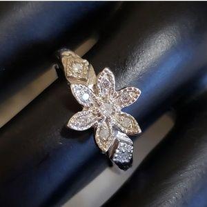 Jewelry - Genuine Diamond Wild Flower Ring in 925